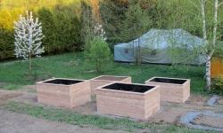 Výroba vyvýšených záhonů pro komunitní zahradu v Třebíči