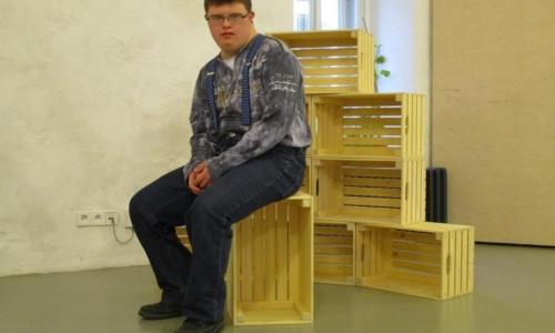 Výroba univerzální skladovacích bedniček