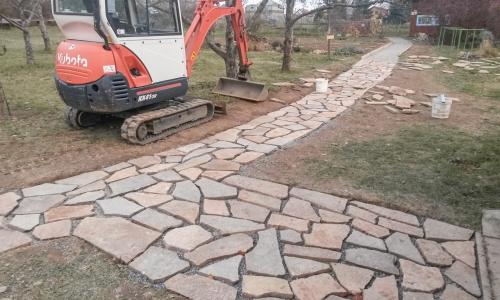 Kamenný chodník pro MŠ Nové Veselí
