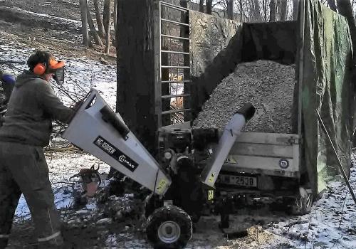 Štěpkování biomasy